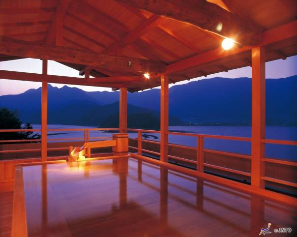 An onsen at Mt Fuji Pic from: Visit Japan Now fb page